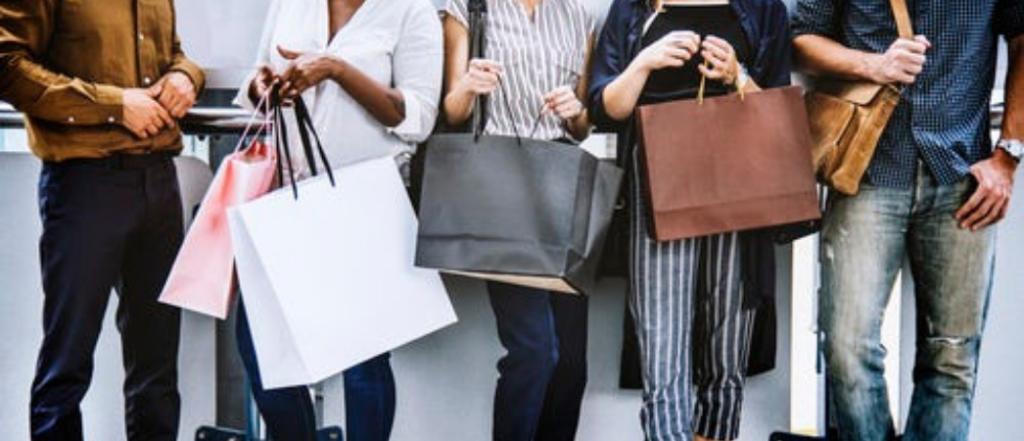 les alternatives au black friday - personnes ayant fait beaucoup d'achats - Goodwill Management